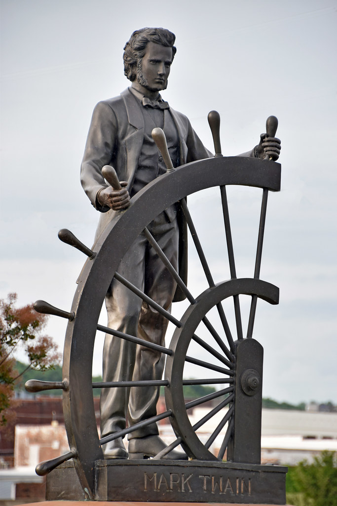 Mark Twain' -- Statue at Glascock's Landing on the Missis