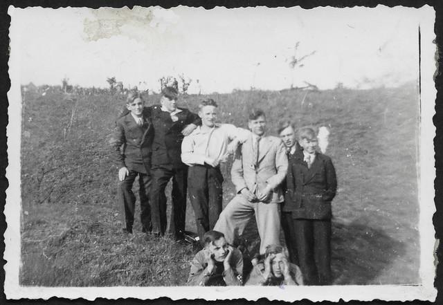 Archiv P062 Ausgehkleidung der Jungen, 1930er