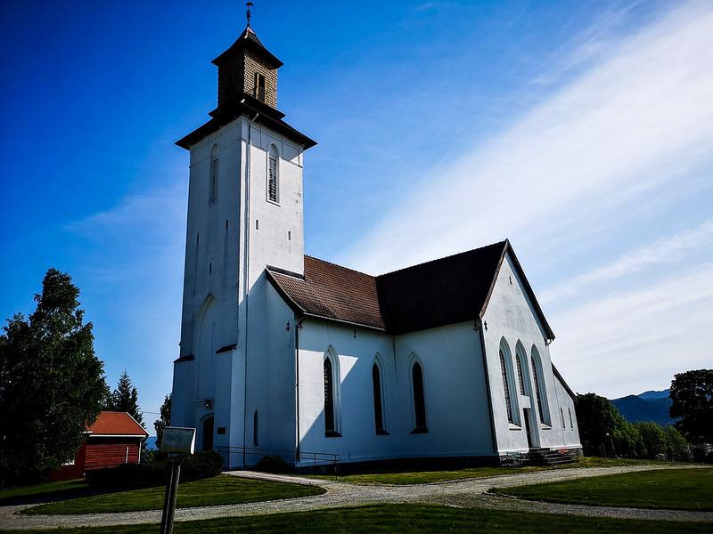 05-Fiskum kirke