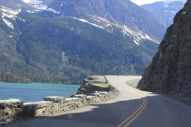 Going-to-the-sun-road-east-glacier-national-park-cliffside