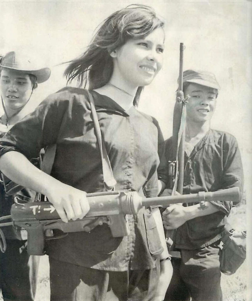 Marilyn Monroe Tommy Gun: 1966 Female South Vietnamese Soldier Trains With M3 Submac
