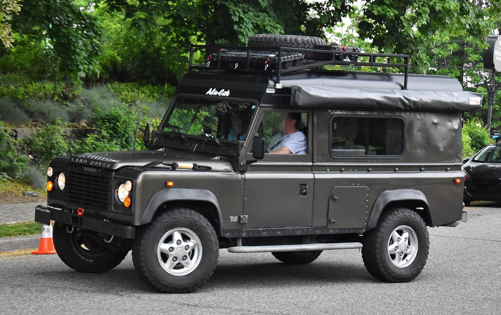 Land Rover Defender with Alu-Cab lift-up roof conversion | Flickr