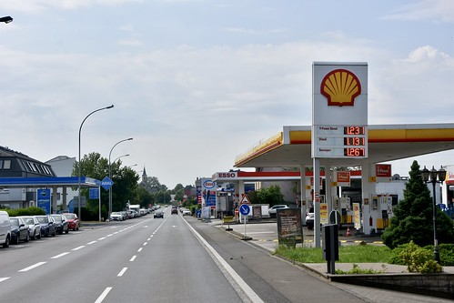 Shell, Esso, Gulf & Aral, Freisänge Luxembourg. | by EYBusman