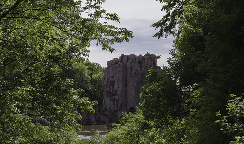 landscape cliffs nature vegetation palisadesstatepark trees memorialday2018 splitrockcreek garretson sd unitedstates