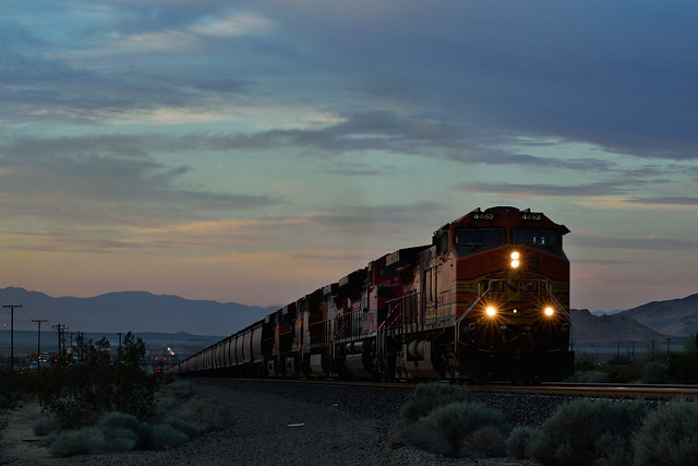 Mojave Sunrise at Notch 8