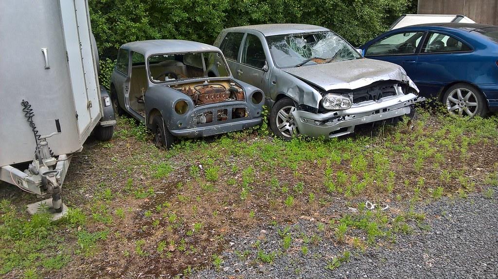 Austin Mini And Volkswagen Golf Scrap Car Austin Mini And Flickr