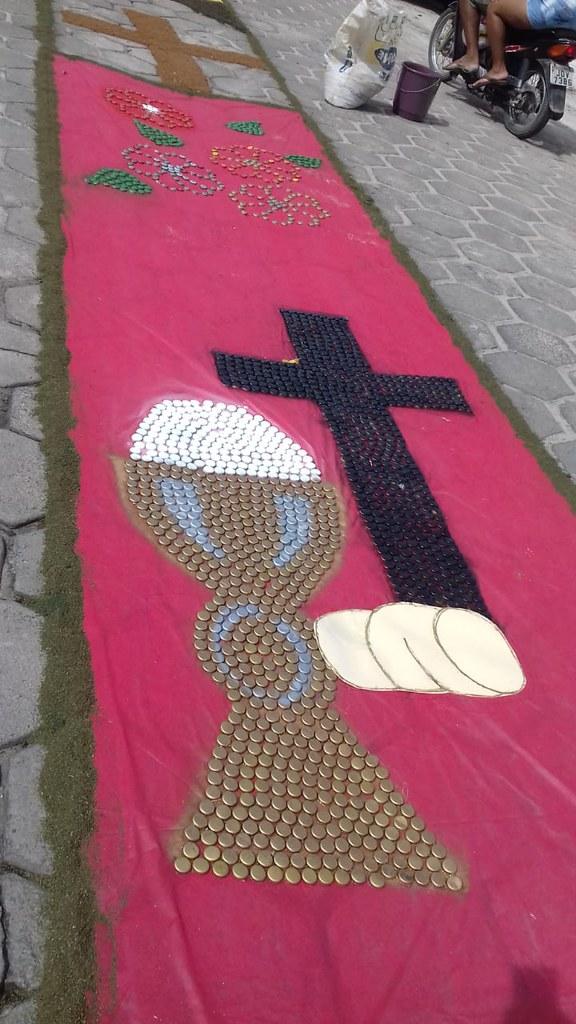 Confecção de tapetes mantém a tradição no feriado de Corpus Christi em Prado (15)