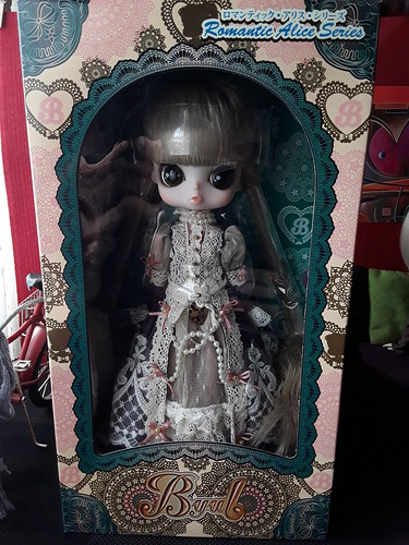 Hola, pequeña Reina Romántica   by Lunalila1