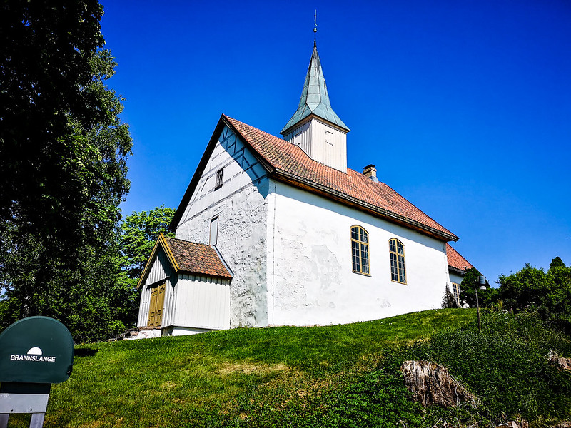 45-Skoger gamle kirke