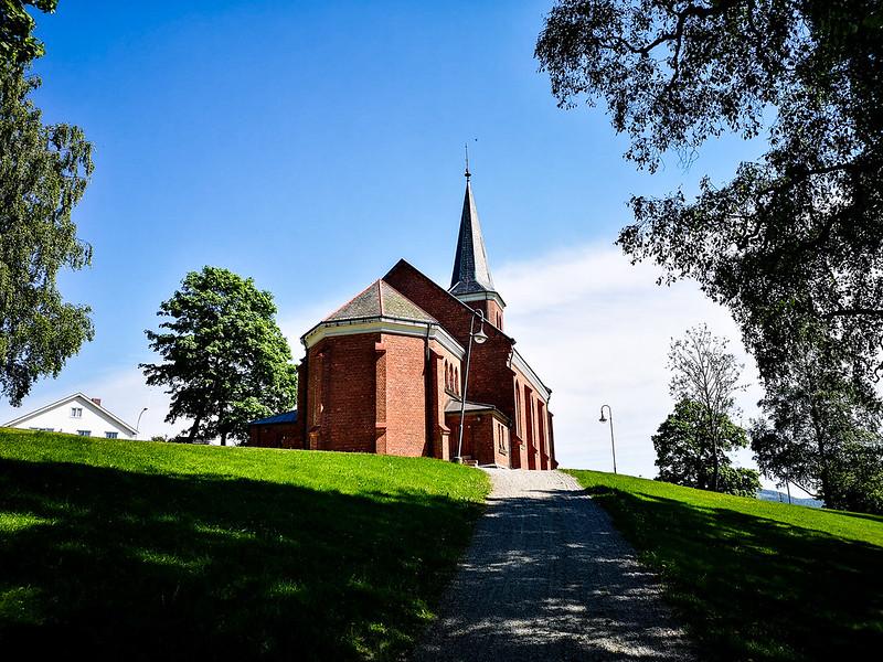 37-Skoger nye kirke