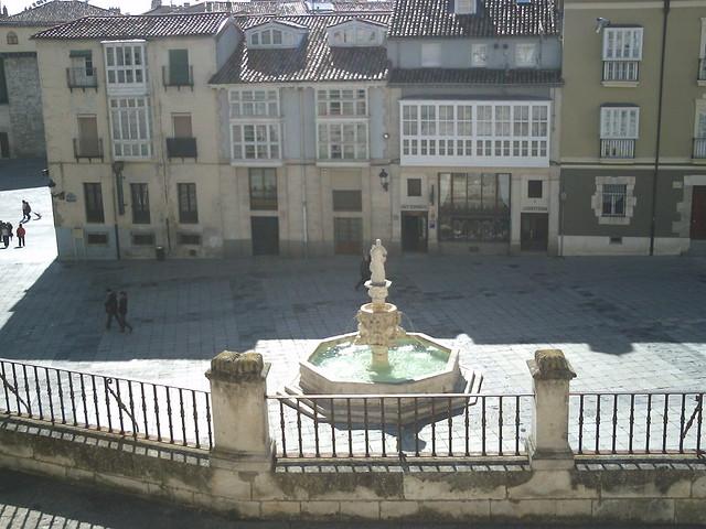 Fuente y Plaza de Santamaría