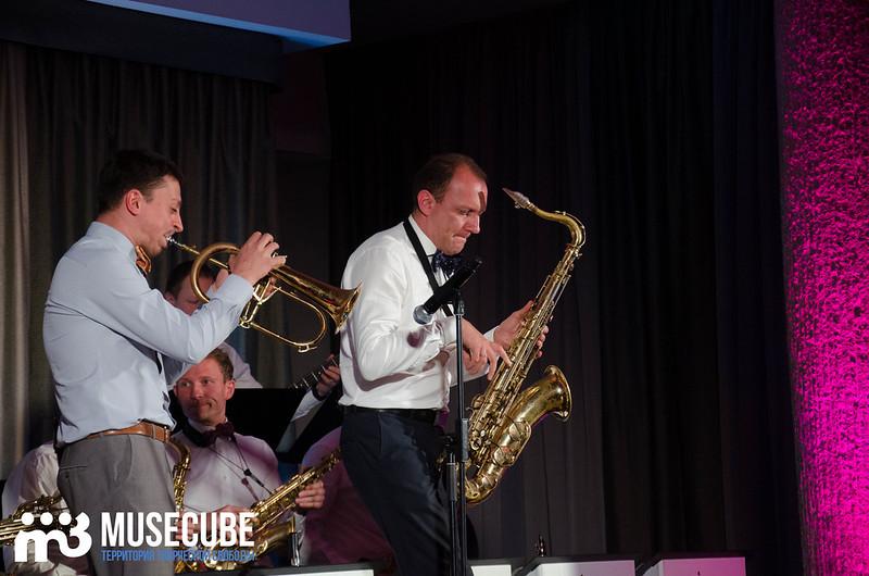Большой джазовый оркестр-062