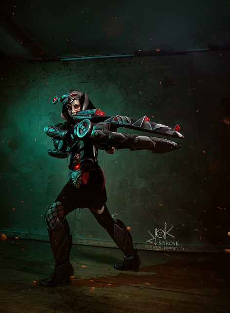 Fotocon 2017: Germia as Headhunter Caitlyn from League of Legends, by SpirosK photography