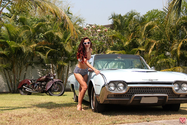 Pin Up Miss Malí and the '62 Ford Thunderbird
