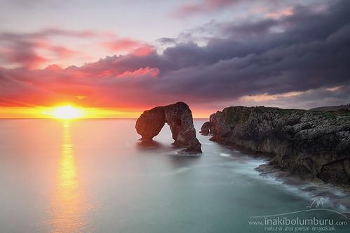 castro gaviotas asturias spain coast shoreline sunrise amazing colorful light rocks sea seascape sun clouds cliffs llanes hontoria longexposure landscape nature summer travel scenery