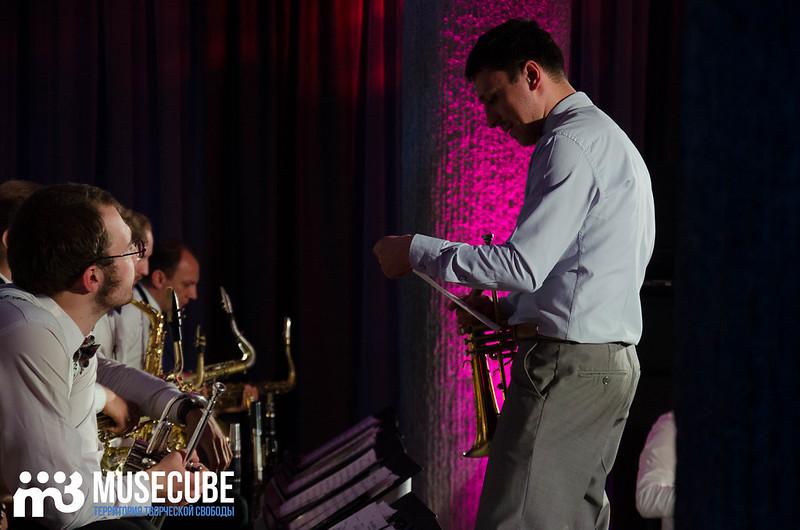 Большой джазовый оркестр-064