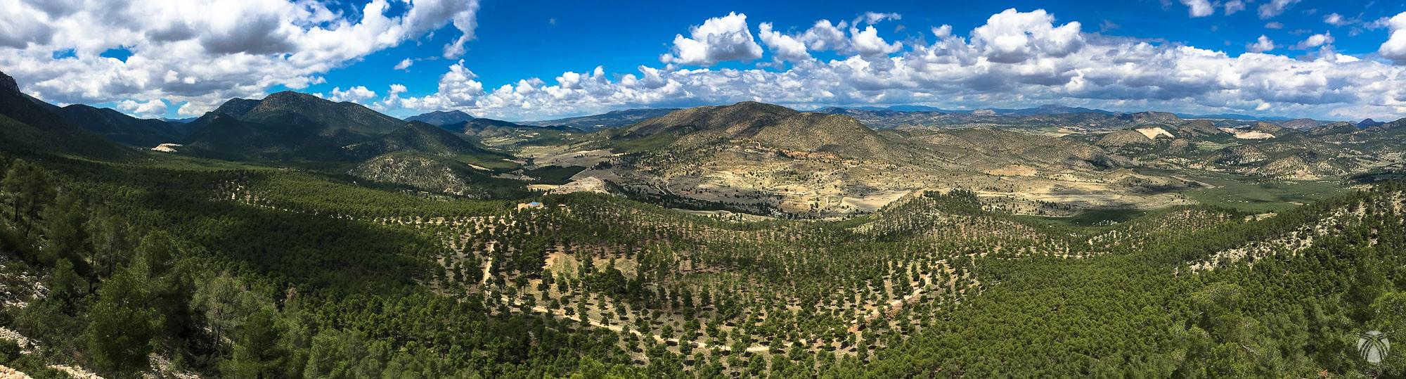 Panorámica desde la sierra del Pericay hacia poniente