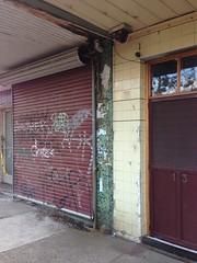 Abandoned shops at Paisley, Altona North