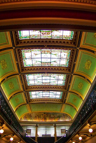 moines iowa ia state capitol interior dome onasill building government architecture circular stair case library nrhp iw landmark us american rotunda indoor beaux arts gold hdr historic grand staircase stairs murals hall atrium photo border mural des ceiling kodak vintage old
