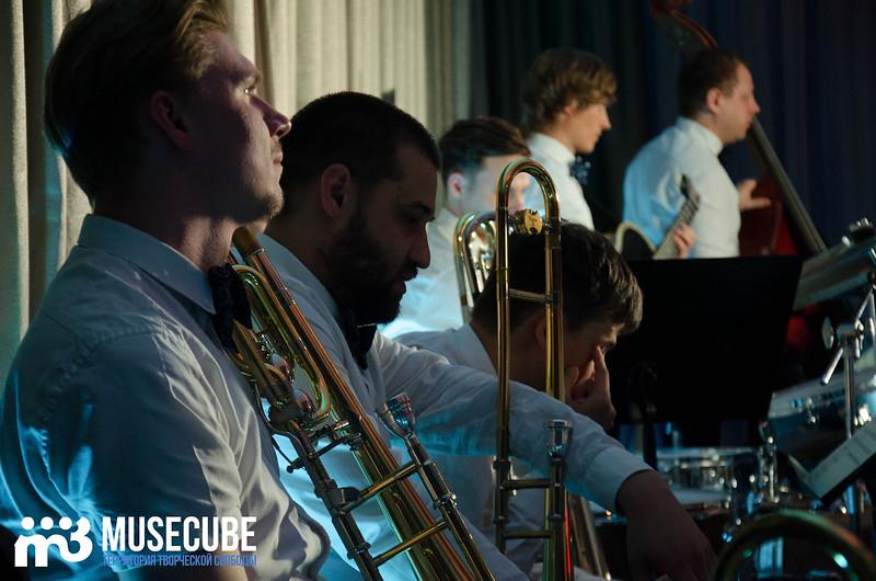 Большой джазовый оркестр-052