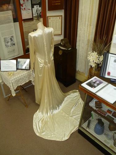cd025afc770 Jessie Bates wedding gown back detail 1946