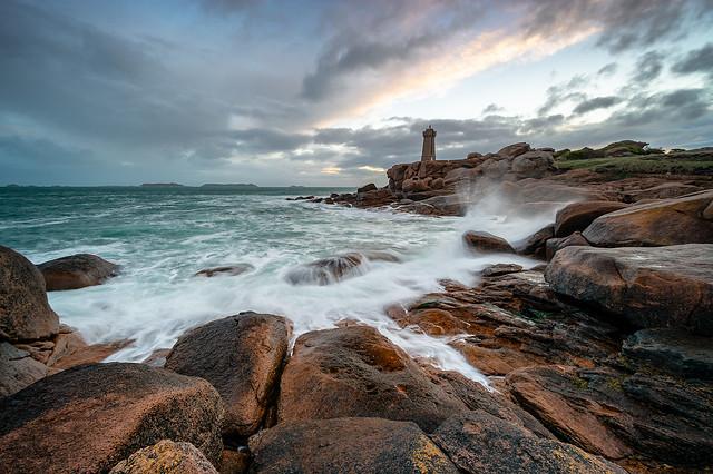 Sunrise at Ploumanac'h Lighthouse (Bretagne)