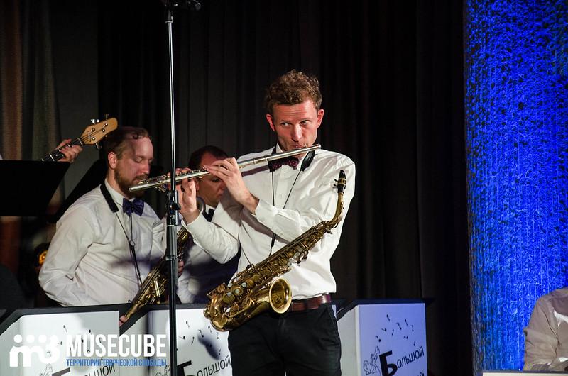 Большой джазовый оркестр-075