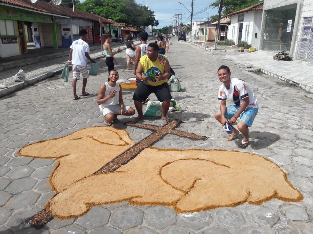 Confecção de tapetes mantém a tradição no feriado de Corpus Christi em Prado (6)