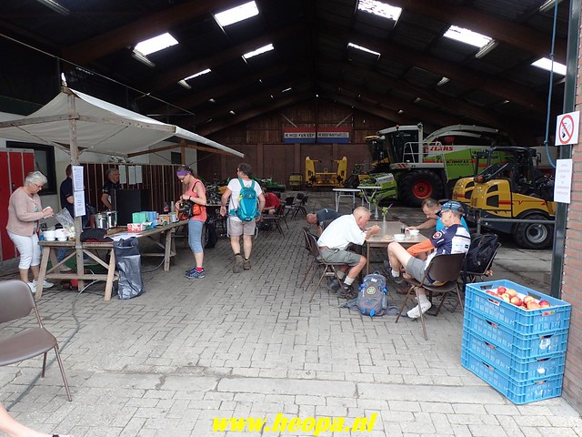 2018-06-02  Voorthuizen - Wandelfestijn     26 Km  (64)
