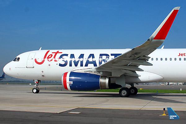 JetSMART A320 CC-AWA front (Luis Colima)