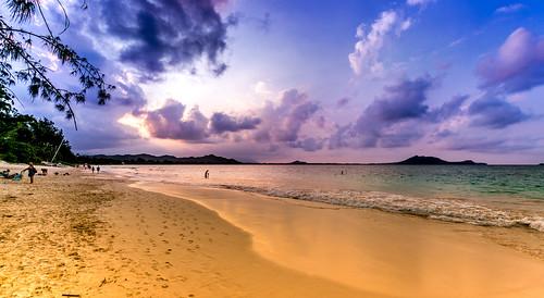 Kailua Beach. What a beach. Sharing to you our evening.