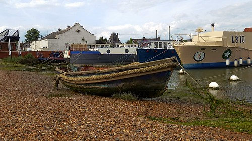 suffolk rurallandscape riverside tidal eastanglia riverdeben masts reflections sunshine mud dock boats water quay