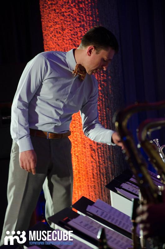 Большой джазовый оркестр-044
