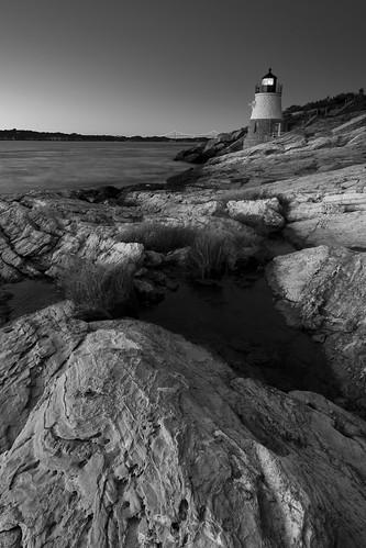 rhodeisland castlehilllighthouse lighthouse narragansettbay atlanticocean newport conanicutisland eastcoast sunset bridge architecture 1890 monochrome blackwhite landscape