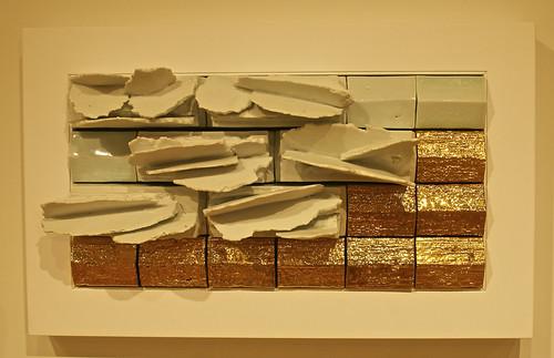 corning newyork rockwellmuseum earthandsky theceramicartofwaynehigby waynehigby ceramicart glazedporcelain goldluster earthcloudsketchgold clouds sunlight