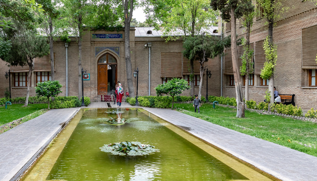 Negarestan Garden and Palace, Tehran | Negarestan Garden, a