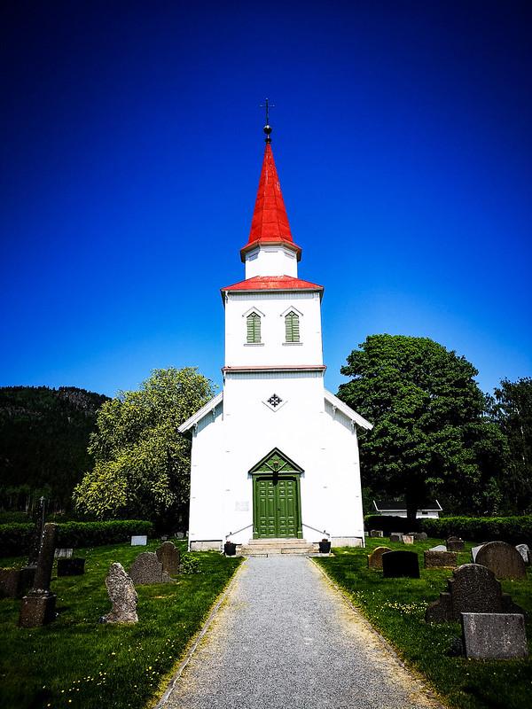 34-Komnes kirke