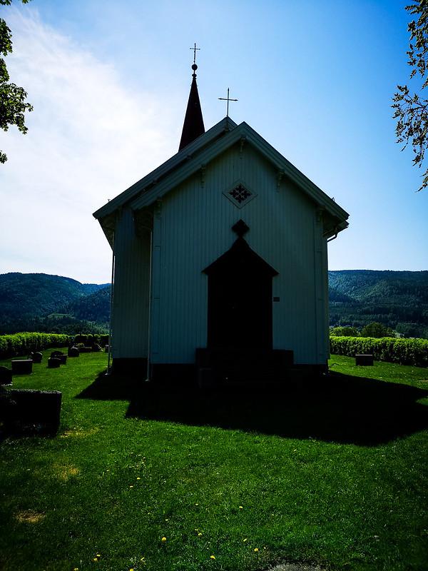 32-Komnes kirke