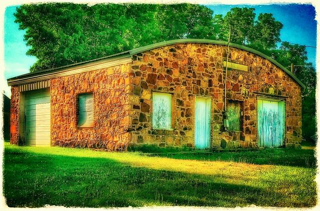 That old garage in Boaz....