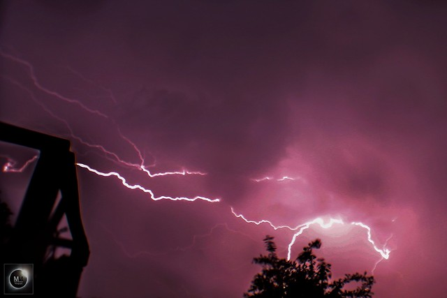 Lightning from Oxfordshire 1:28am BST 27/05/18