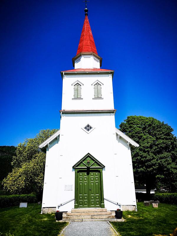 33-Komnes kirke