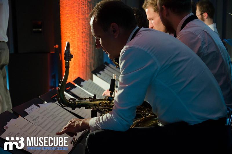 Большой джазовый оркестр-049