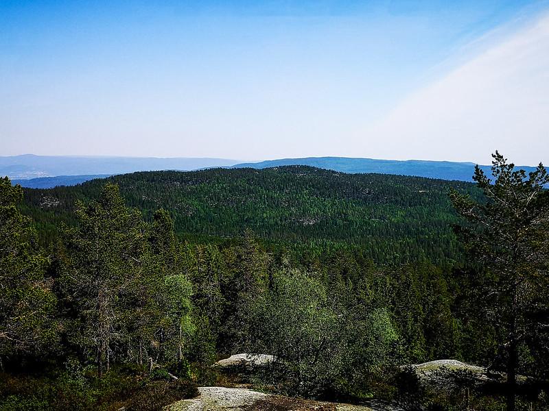 16-Utsikt fra Nesfjell til Gunhildrudknatten