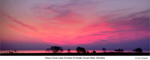panorama pano sunrise dawn grimsby lakeontario shoreline radiotowerfield horizon opensource hugin rawtherapee gimp nikon d7100 tamron90mmf28macro11272e