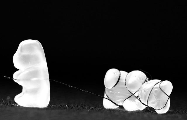 Settling of scores - Règlement de compte- #candy for MacroMondays            http://fb.me/cpdenoel