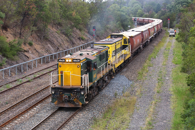 48s28 Approaching Picton