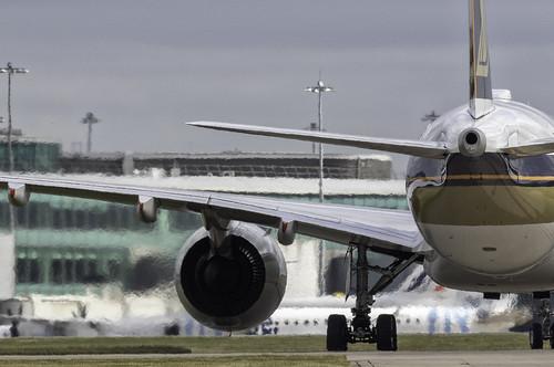 Singapore A350 9V SMS heathaze | by paulziets
