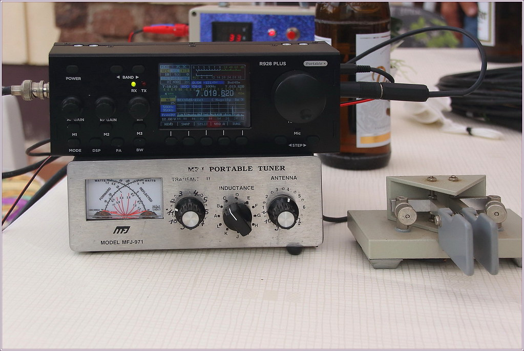 TRX: McHF QRP SDR transceiver R928 PLUS, Tuner: MFj-971, S