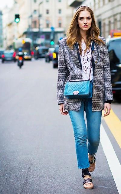 Style Inspiration : Chiara Ferragni wears raw hem straight leg jeans, a graphic tee, statement blaze…