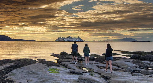 gabriolaisland britishcolumbia bcferries sunset beach westcoast vancouverisland nanaimo canada straitofgeorgia